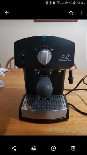 Vendo cafetera probada pero sin uso