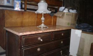 Antiguo mueble con mármol y 4 cajones