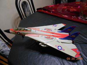 Avion de combate a control remoto