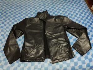 Vendo campera negra