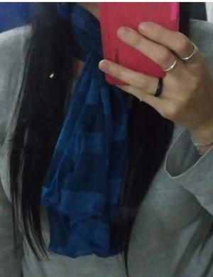 Pañuelo de mujer azul hermoso casi sin uso