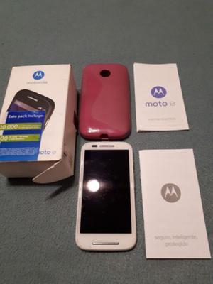 Vendo Celular Moto E XT color Blanco con detalle en