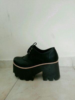 Zapatos plataforma número 36 un uso