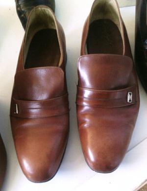 Vendo 1 par de Zapatos para hombre talle 42