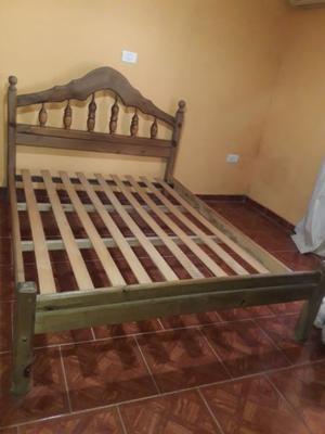 Vendo juego de dormitorio de pino macizo