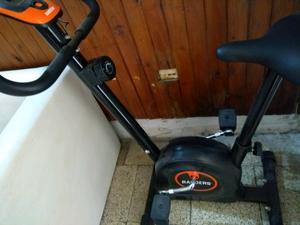 Bicicleta fija nueva