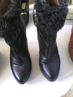 Botas para mujer numero 38 sin uso