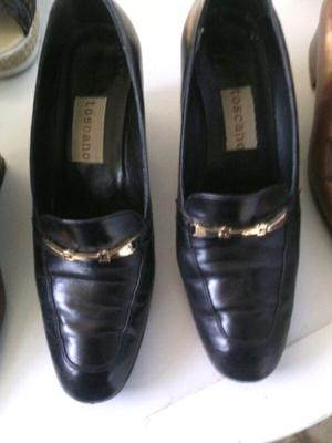 Zapatos de cuero negro Clasicos de Mujer con taco
