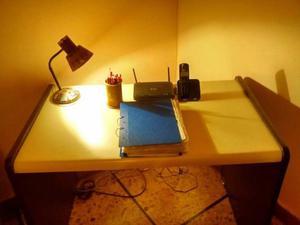 Escritorio de melanina, ideal para estudiar, Pc, o comedor.