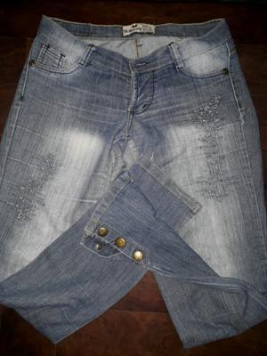 Jeans elastizado con botón talle 38