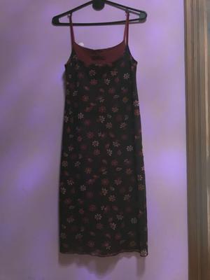 Vestido bordo floreado talle 3 poco uso