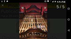 Antiguo juego dormitorio de algarrobo torneado