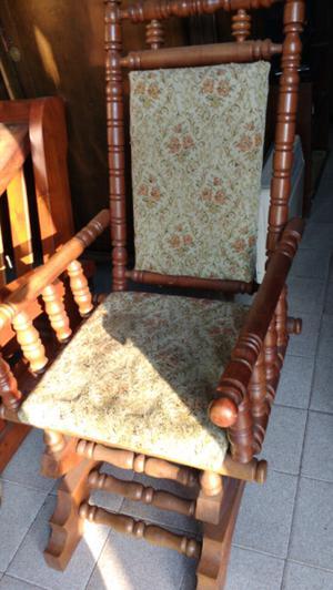 Antiguo sillón hamaca estilo colonial en madera de Roble