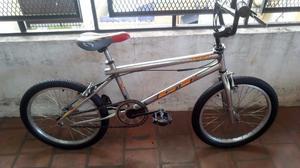 Bicicleta gt cromada con rotor rodado 20 excelente y lista