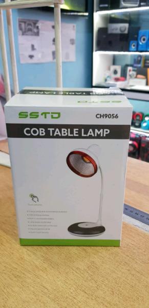 Lámpara de Escritorio Moderna. Sistema LED COB