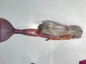 Muñeca Barbie sirena. Usada