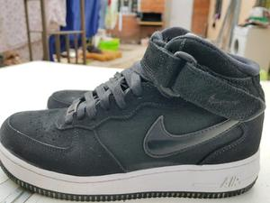 Nike air force negras de gamuza 39