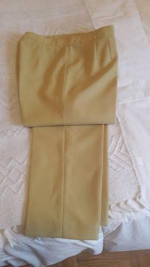 Pantalón de vestir T: 46 color lima