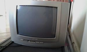TV PHILLIPS 14 pulgadas, con control remoto.Excelente
