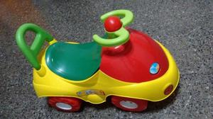 Carrito andador de 4 ruedas nuevo sin uso.