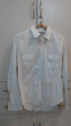 Camisas tres por 600 pesos