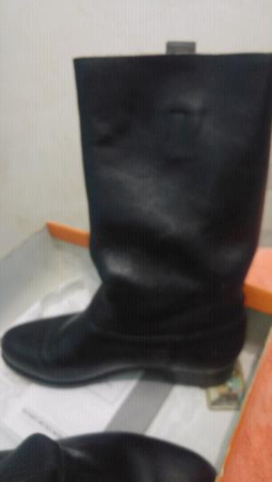 Vendo o permuto excelente botas