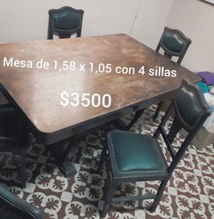 JUEGO DE MESA DE MADERA CON 4 SILLAS TAPIZADAS en HUERTA