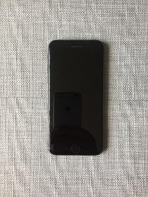 iphone 8 64GB - Muy poco uso como nuevo -  Pesos