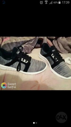 zapatillas nuevas en cajas