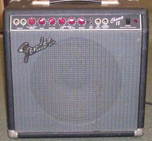 Amplificador valvular Fender champ