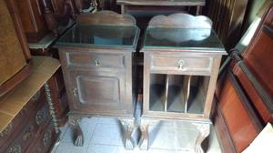 Antiguas mesas de luz estilo en madera de Roble
