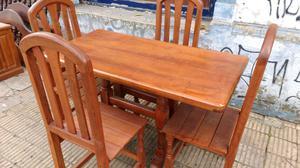 Juego de mesa y 4 sillas algarrobo