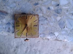 reloj tressa a cuerda solo la maquina