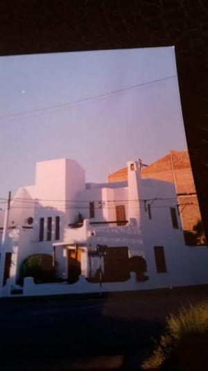 Excelente Casa en dos plantas con pileta en Bahia Blanca,