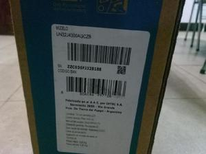 TV LED Samsung 32 J4300 para respuestos. Pantalla rota