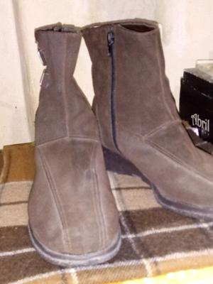 Vendo botas color chocolate