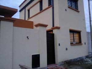 Venta de Casa 1 o 2 DORMITORIO en City Bell, La Plata, calle