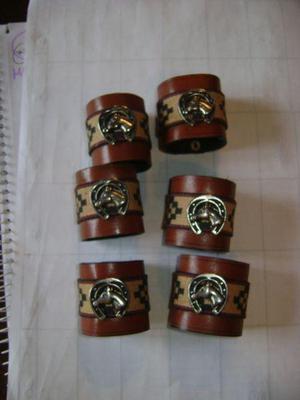 6 Portaservilletas En Cuero Y Metal Plateado Caballos