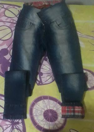 Pantalón jeans. Chupin talle 36