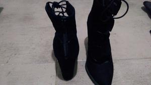Zapatos tacos altos acordonados