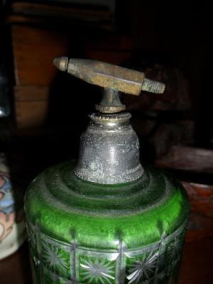 Muy Antiguo Perfumero De Cristal Tallado
