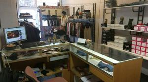 Vendo fondo de comercio ropa de mujer y hombre. Av.