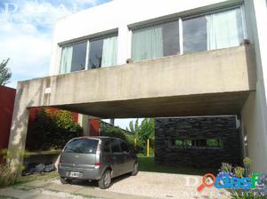 Casa en Venta en City Bell 472 e/ 136 bis y 137