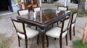 Juego de mesa y sillas estilo francés