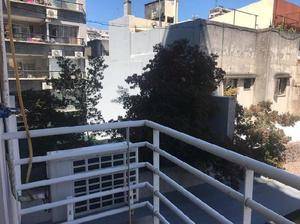 Alquilo Temporario en Villa Crespo. 2 Ambientes con Balcón.