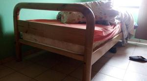 Cama de 1 plaza y media, en buen estado
