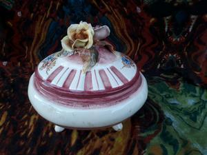 Centro de mesa o caramelera de porcelana