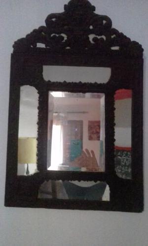 Espejo antiguo con marco
