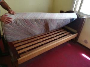 liquido!! cama de plaza y media con colchon