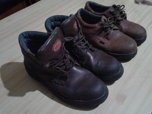 2 Pares de zapatos de seguridad N*44 usados, Boris y Kemet